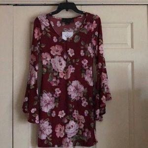 🌺🌸🌵Woman's boho short dress W/ bell sleeves🌺